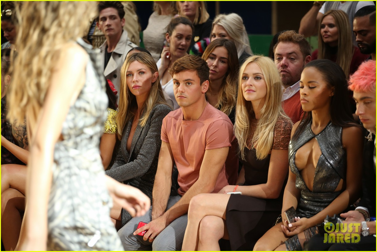 hailey baldwin tom daley leigh pinnock tallia more julien lfw 03
