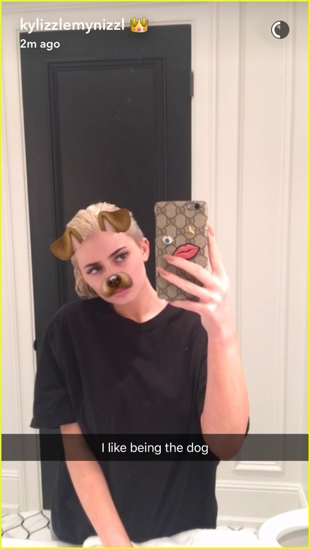 kylie jenner snapchat bleach blonde hair 02