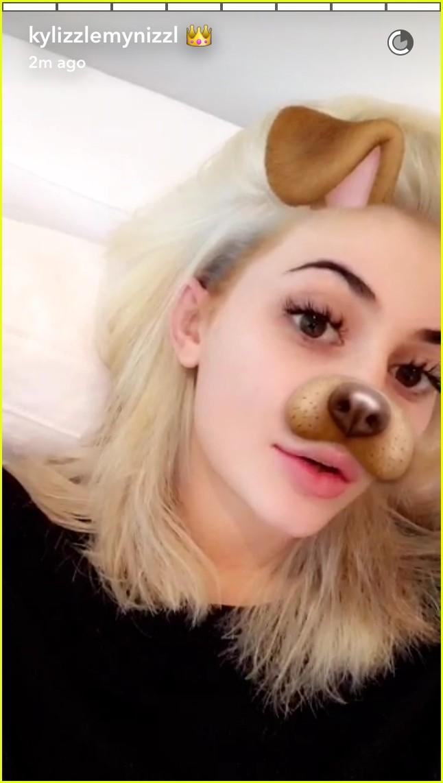 kylie jenner snapchat bleach blonde hair 05