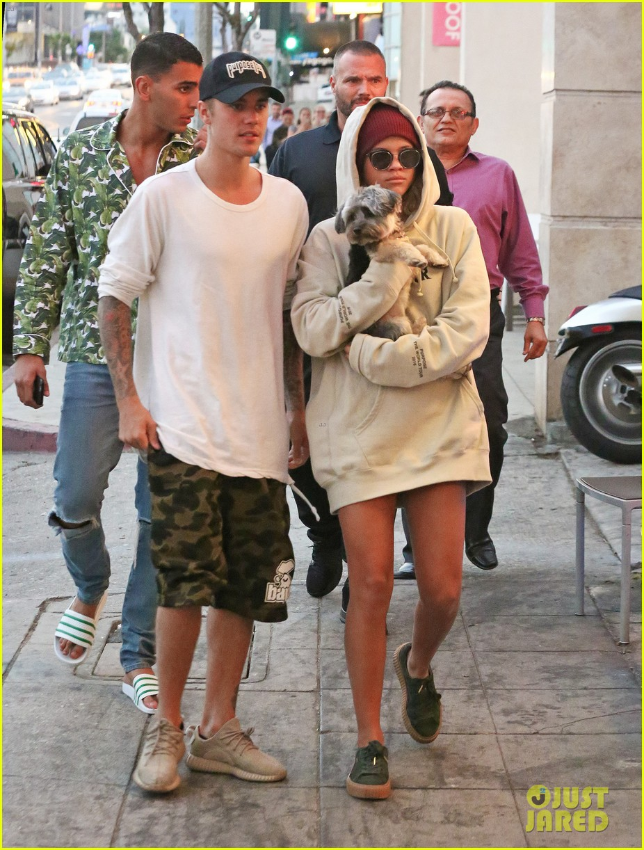 butt Images Justin Bieber Sofia Richie naked photo 2017