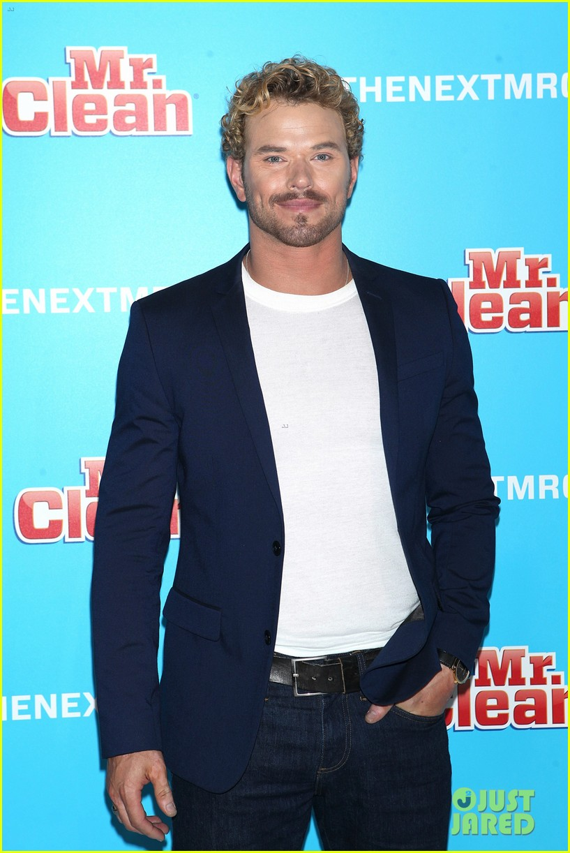 kellan lutz shows off his biceps while auditioning to be the next mr clean505mytext