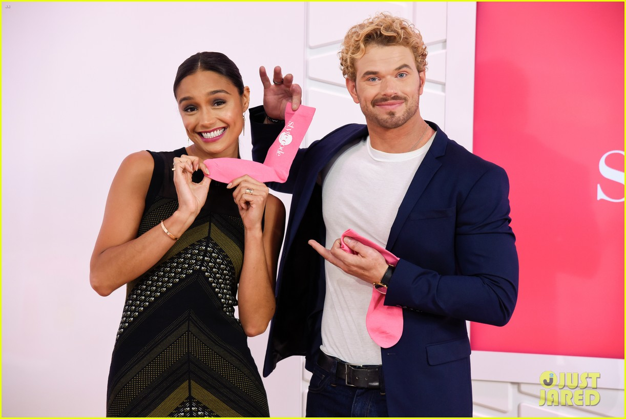 kellan lutz shows off his biceps while auditioning to be the next mr clean68214mytext
