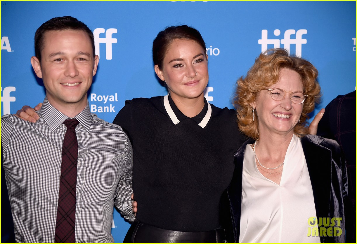 joseph gordon levitt and shailene woodley attend snowden press conference at tiff 20163 17