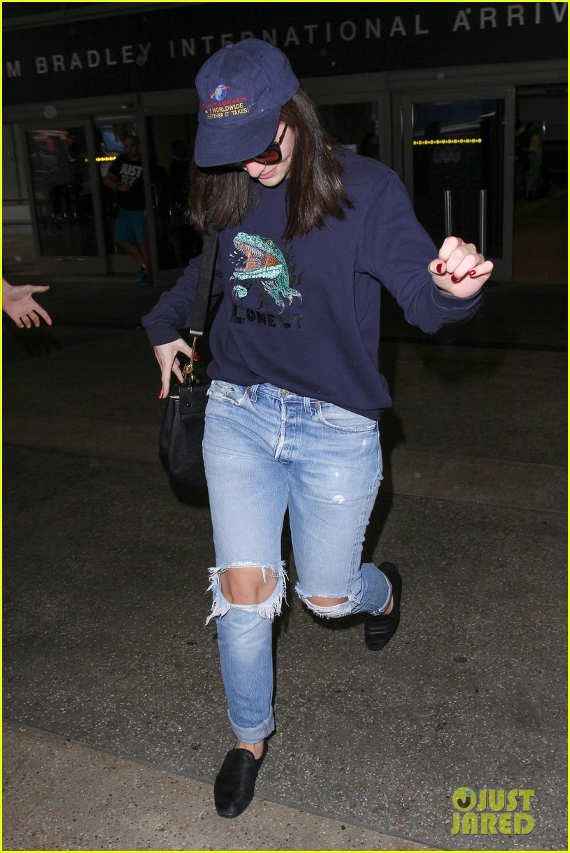 lorde lays low while arriving in la00916mytext
