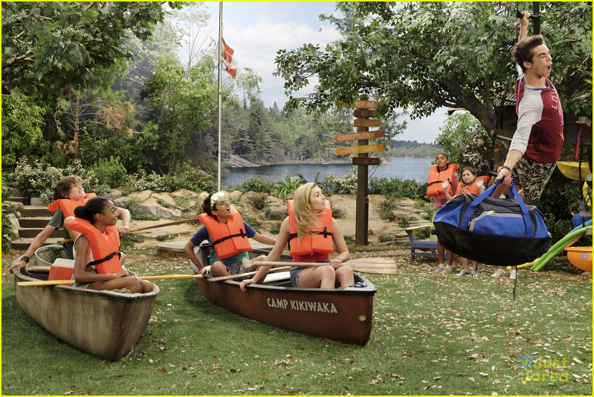 luke flies back bunkd camp stills 03