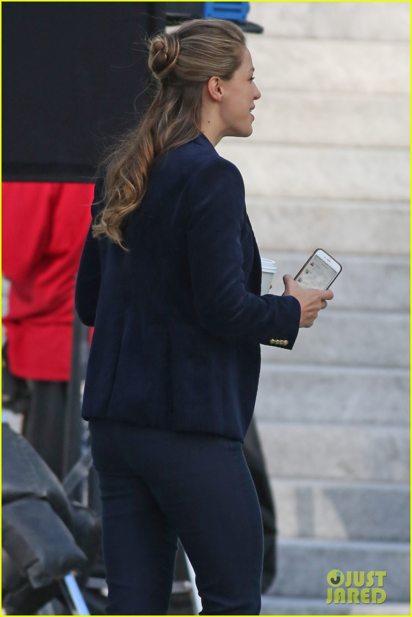melissa benoist is all smiles while filming supergirl00707mytext