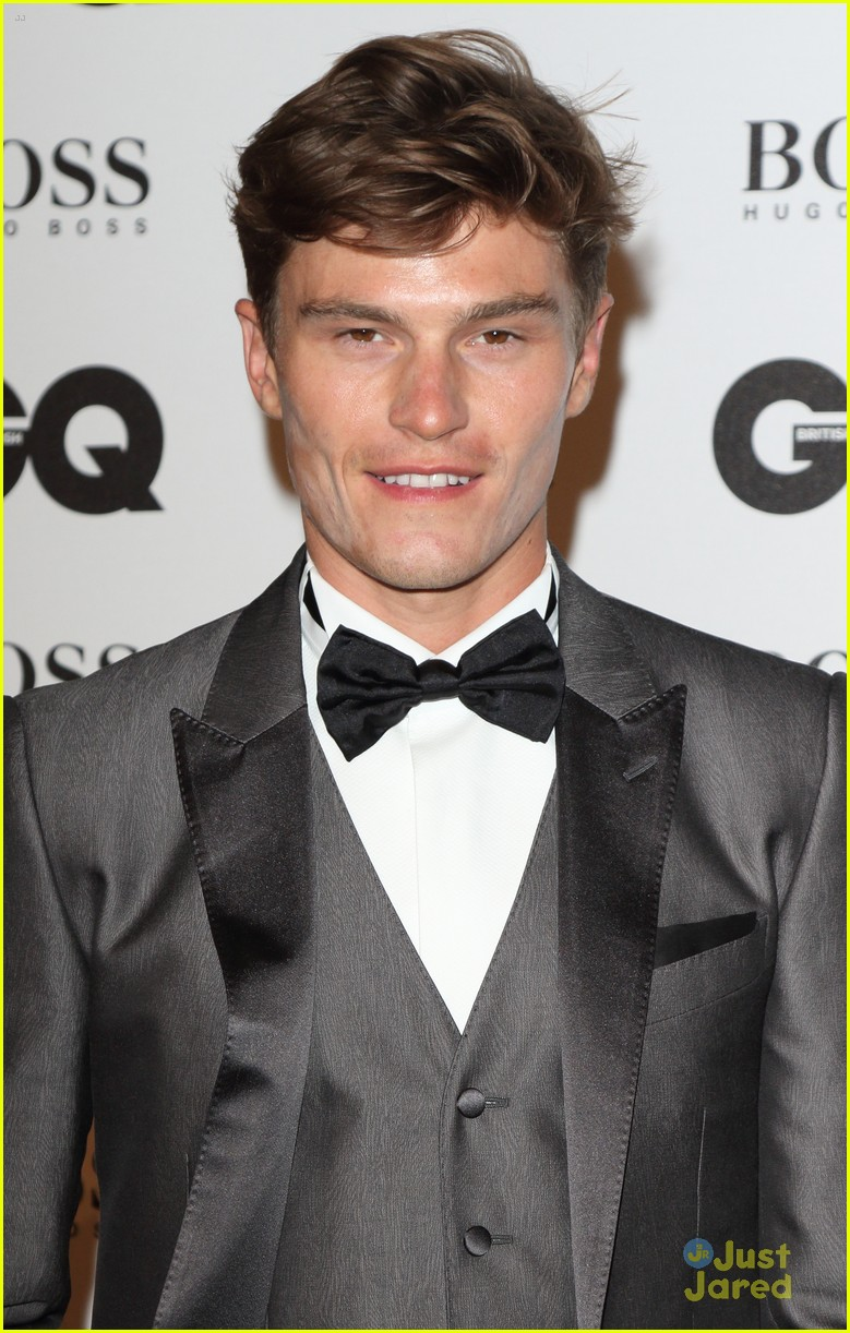 pixie lott oliver cheshire gq men year awards 04