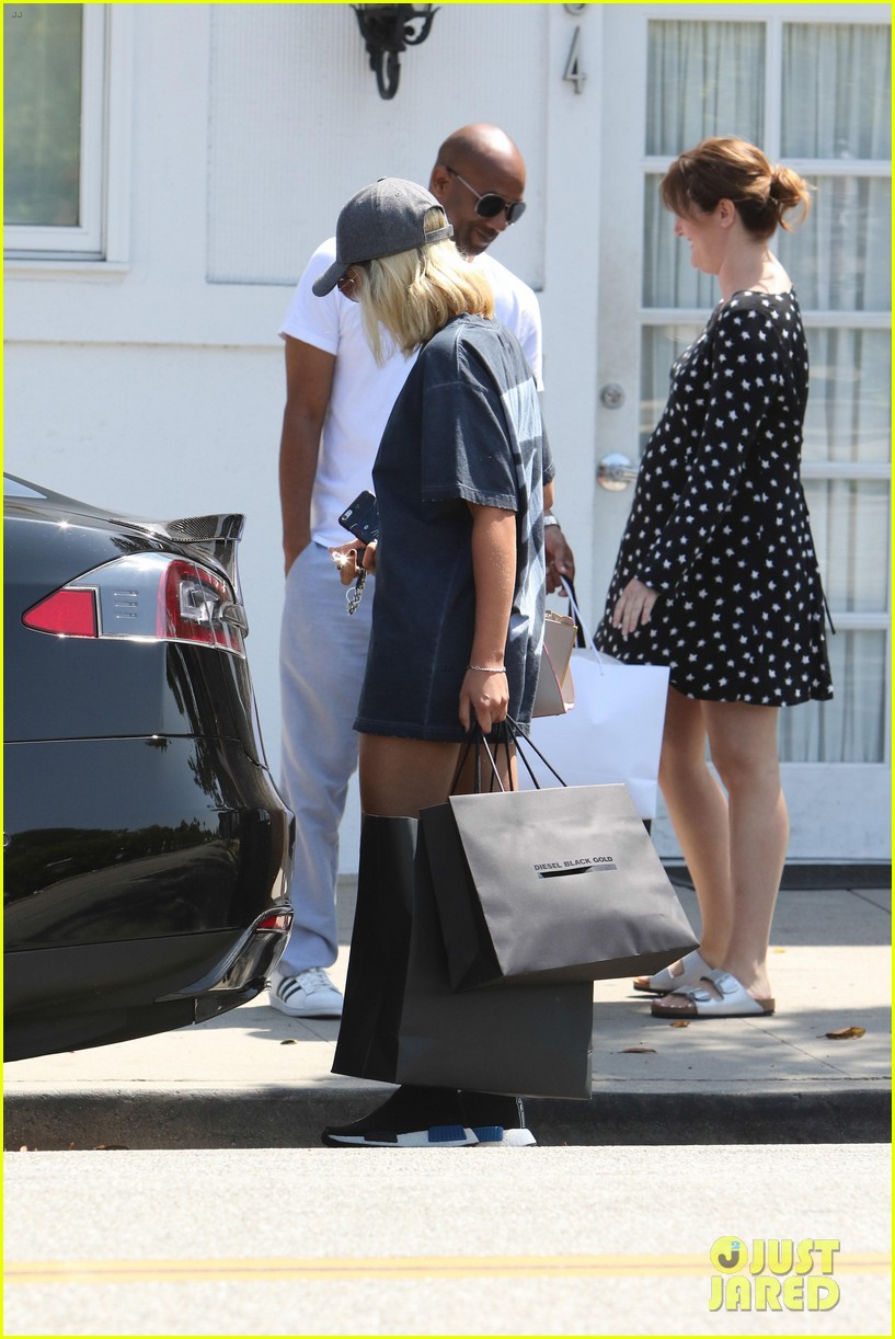 sofia richie shopping in n out labor day 68