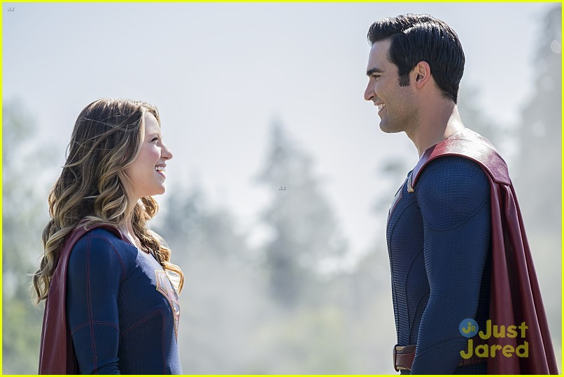 supergirl season 2 premiere photos superman 01
