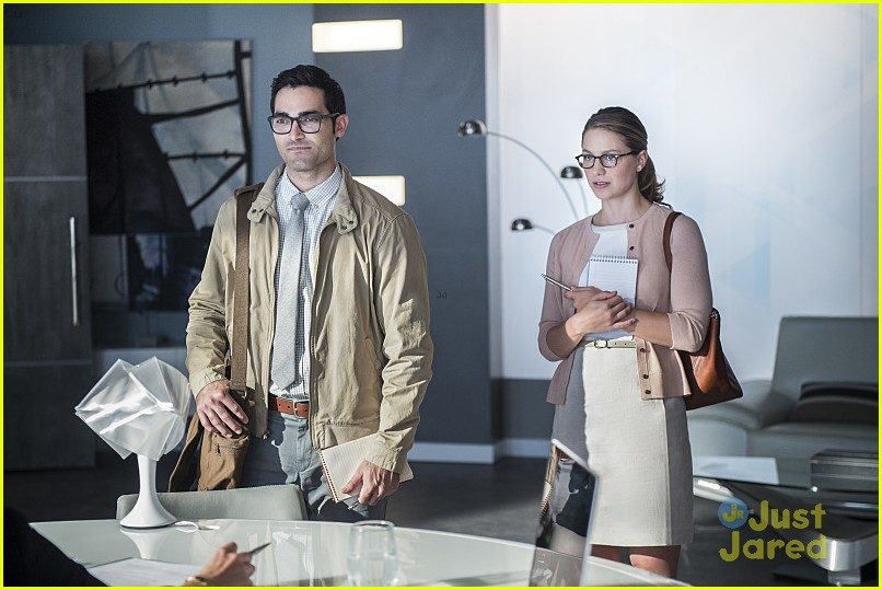 supergirl season 2 premiere photos superman 04