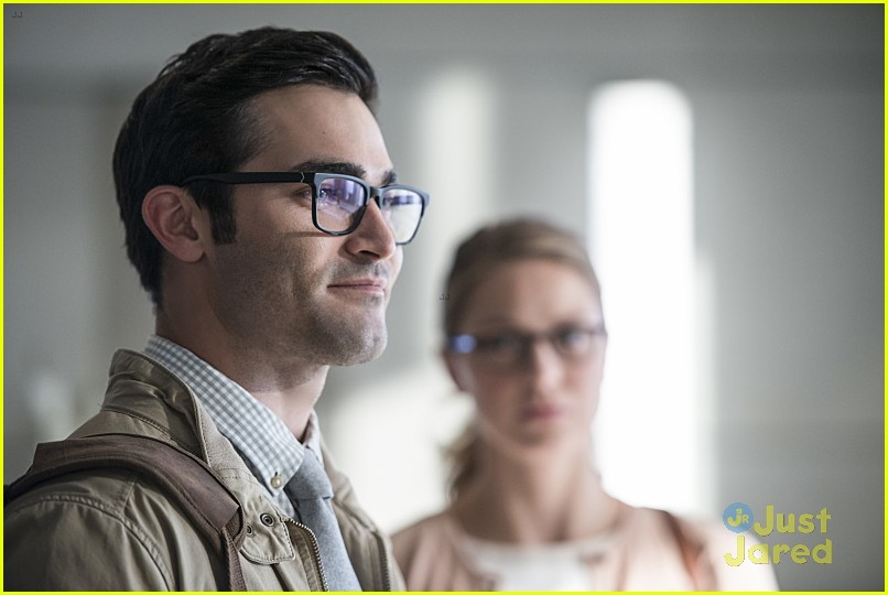 supergirl season 2 premiere photos superman 06