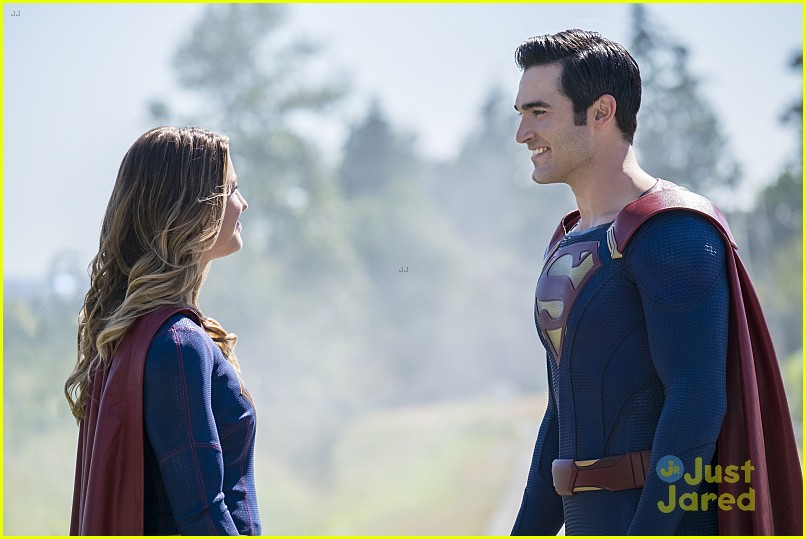 supergirl season 2 premiere photos superman 12
