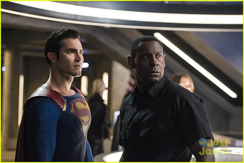 supergirl season 2 premiere photos superman 20