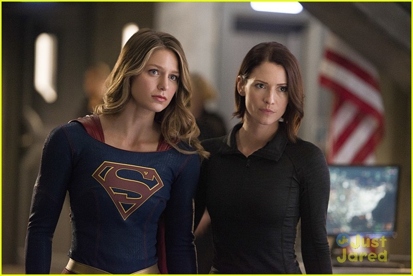 supergirl season 2 premiere photos superman 21