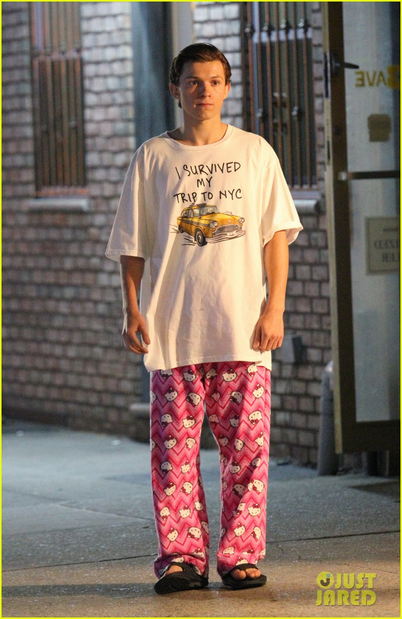Tom Holland Wears  Hello Kitty  PJs for  Spider-Man  Homecoming ... 763124c3b8e