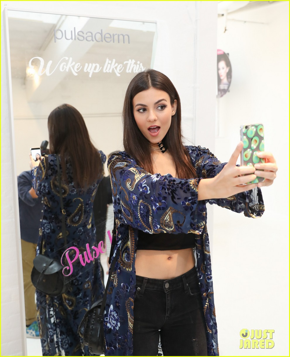 victoria justice peyton list sofia richie refinery 29 rooms 09