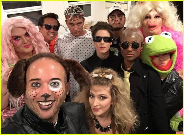colton haynes miss piggy 2016 halloween 04