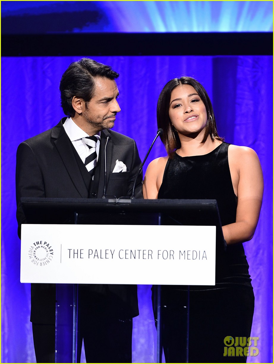 gina rodriguez wilmer valderrama plaey center tribute to hispanic achievements 20