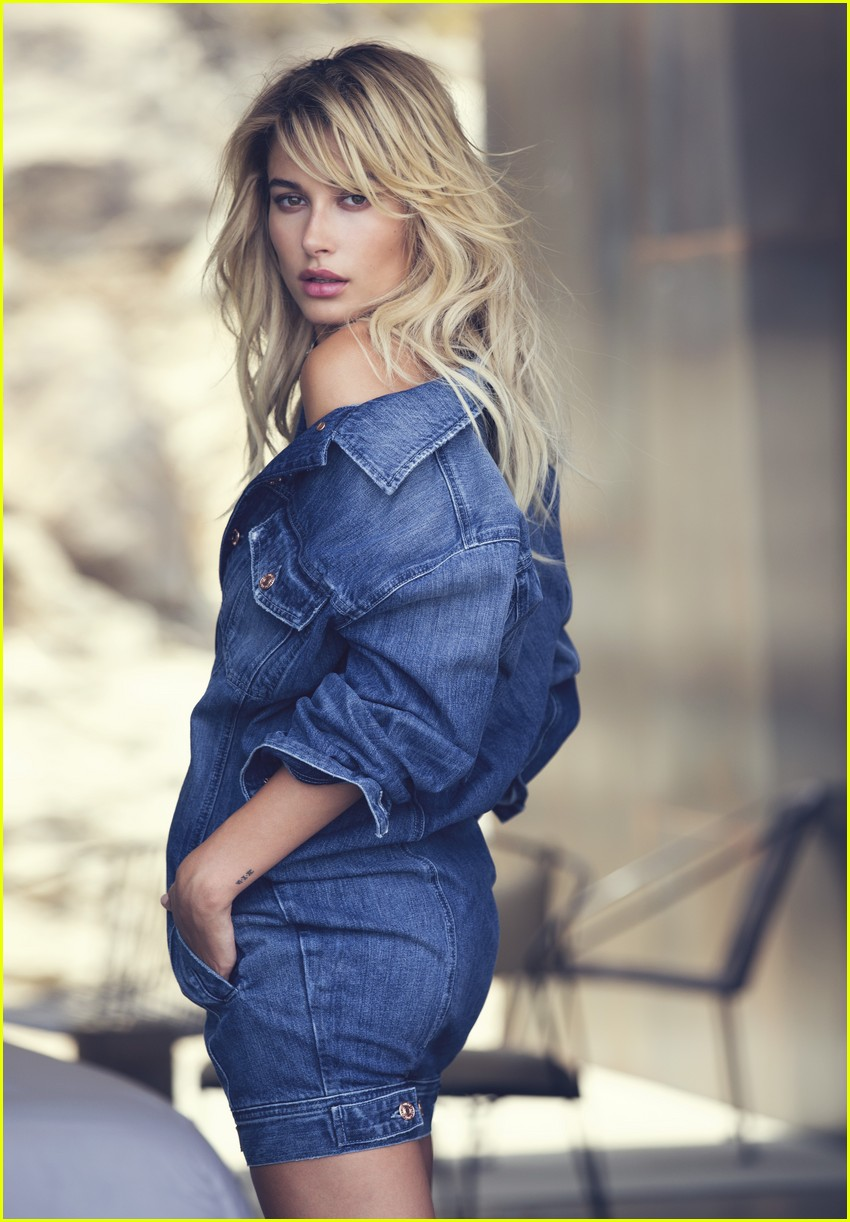 buy popular f0c4a d9e49 Hailey Baldwin Looks Gorgeous in 'Guess' Holiday 2016 ...