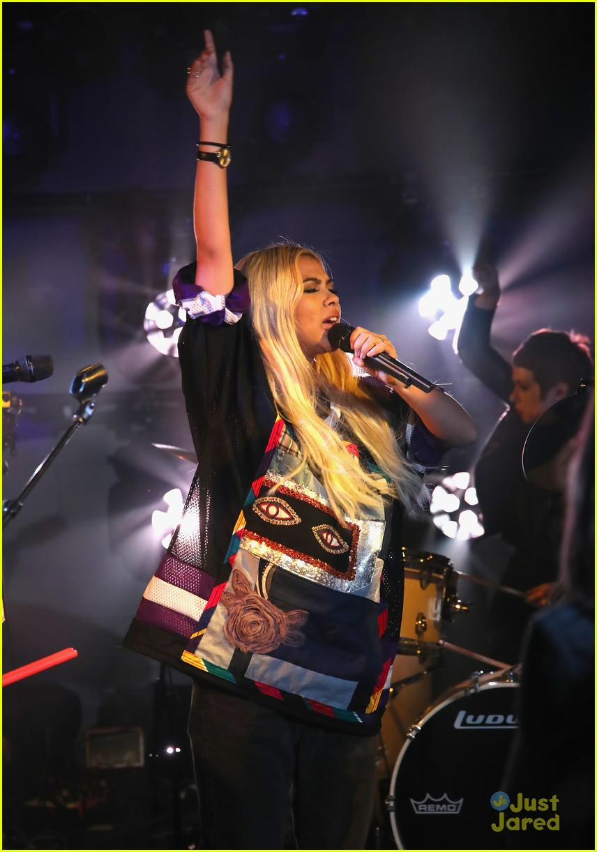 hayley kiyoko wonderland videos fans 03