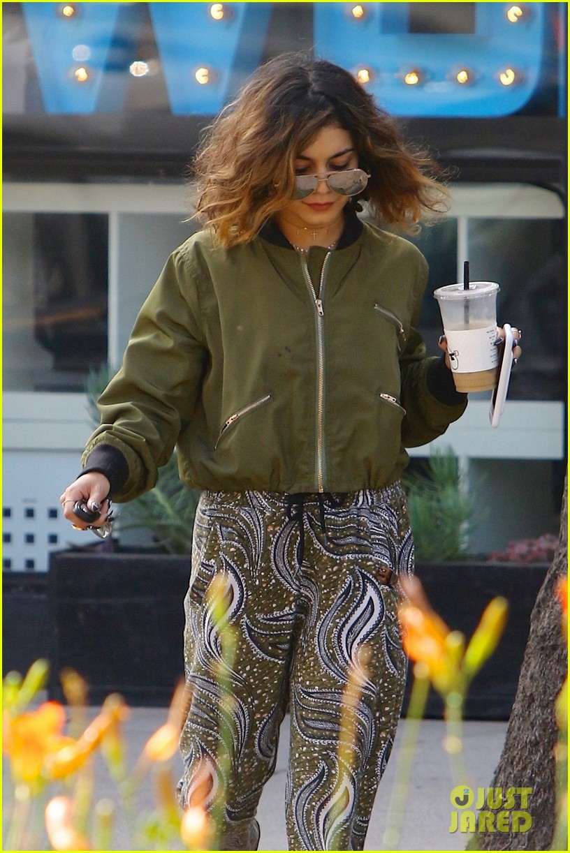 vanessa hudgens austin workout coffee halloween instagram 13