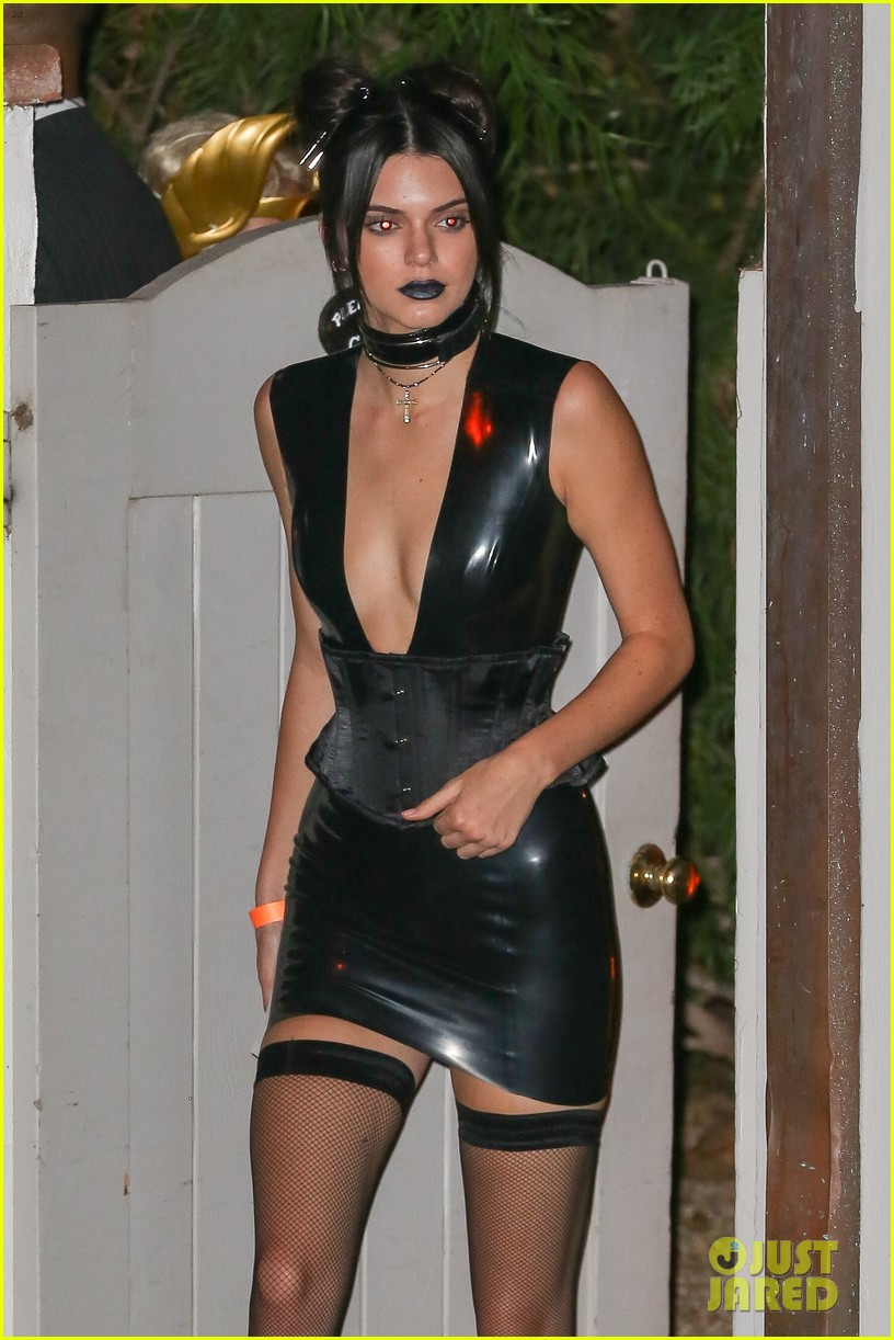 Kylie Jenner & Tyga Dress as the 'Dead' for Halloween Dinner Party ...