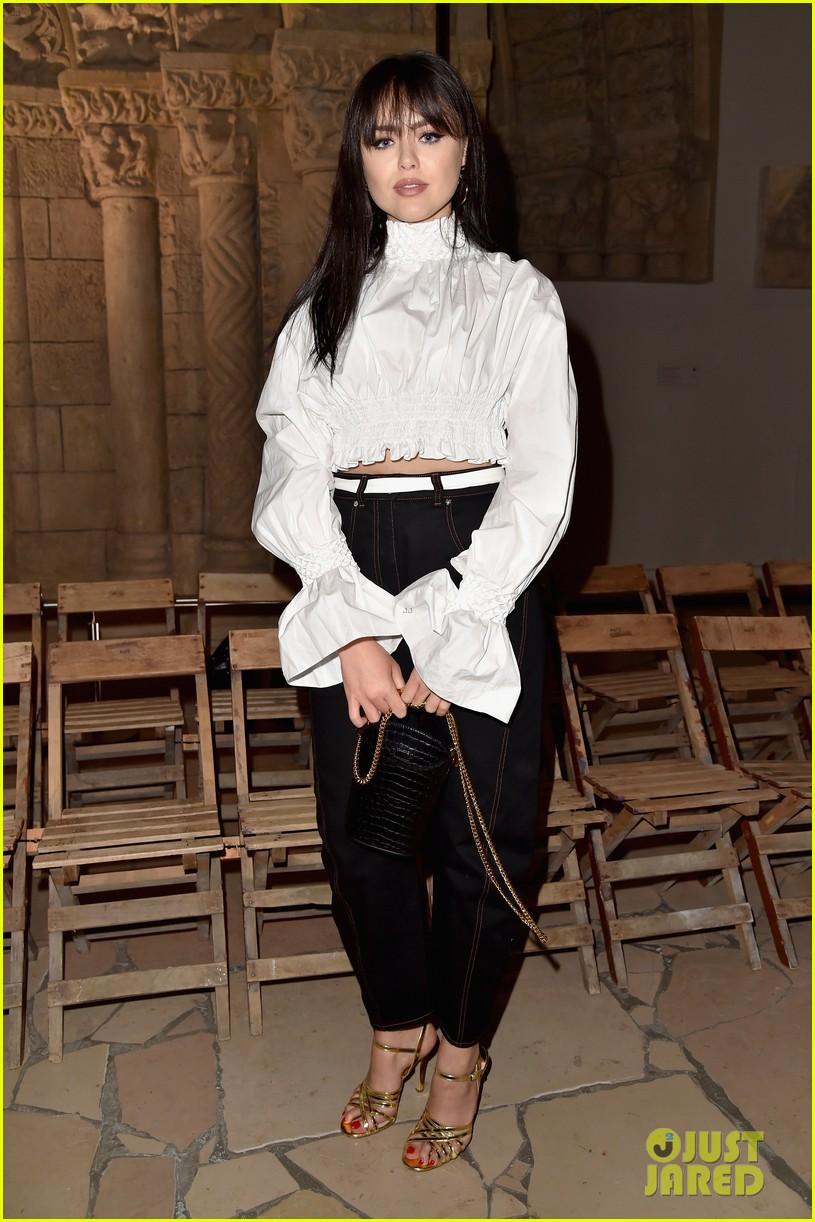 kristina bazan kenzo fashion show paris 02