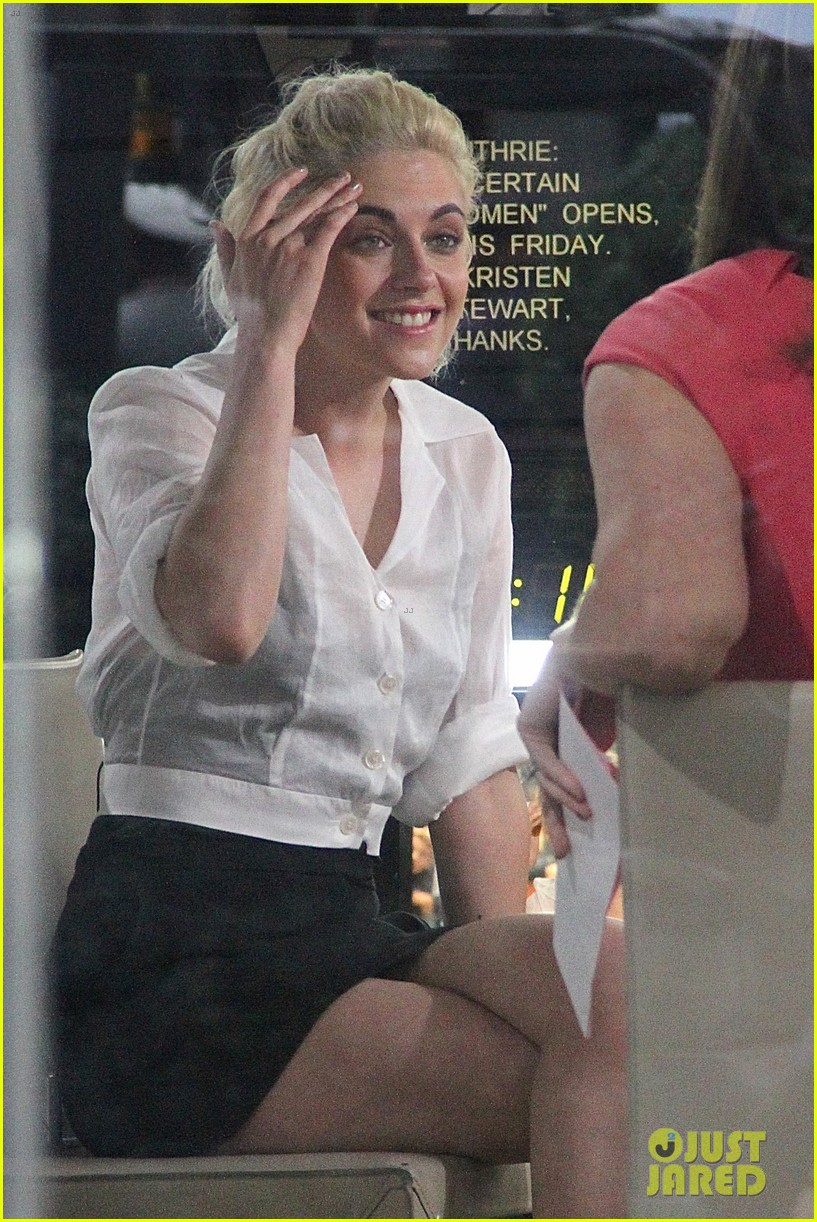 kristen stewart laura dern stop by today show 12