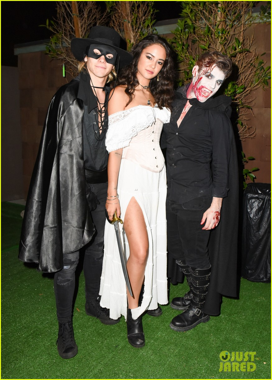 ross lynch courtney eaton couple up at just jared halloween party 11
