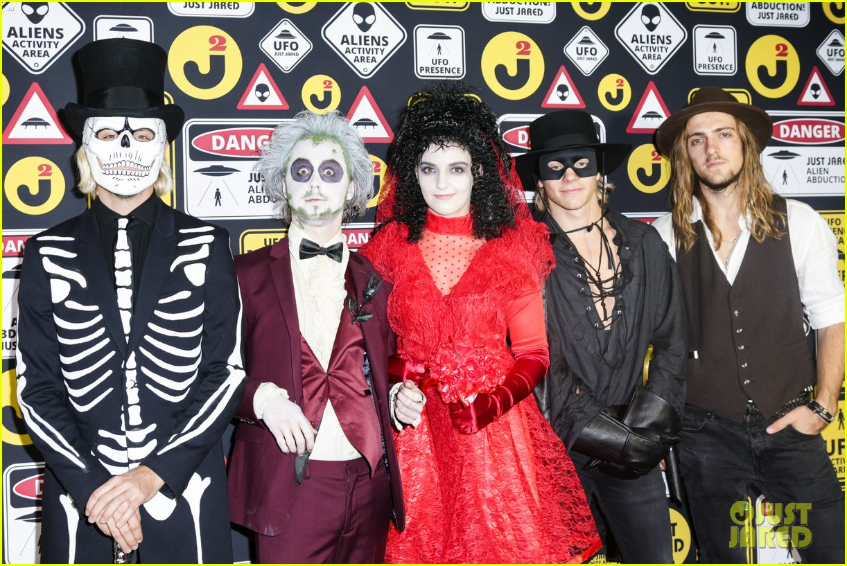 ross lynch courtney eaton couple up at just jared halloween party 25