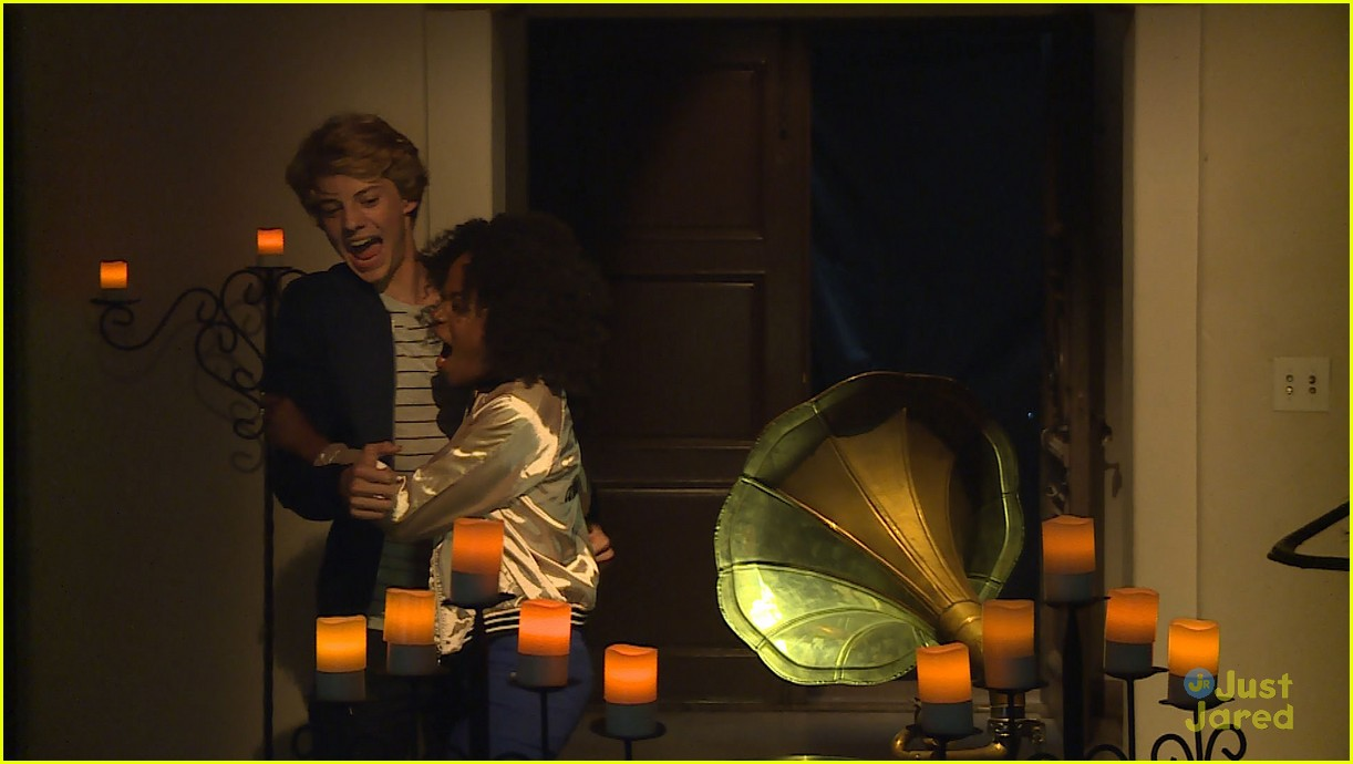rico rodriguez jace norman nickelodeon halloween special 02