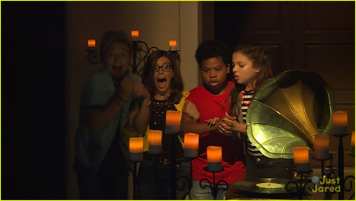 rico rodriguez jace norman nickelodeon halloween special 04
