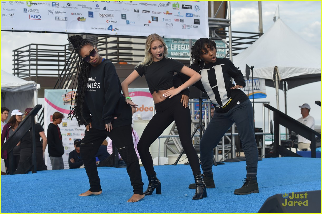 skechers friendship walk jordyn jones new district more 03