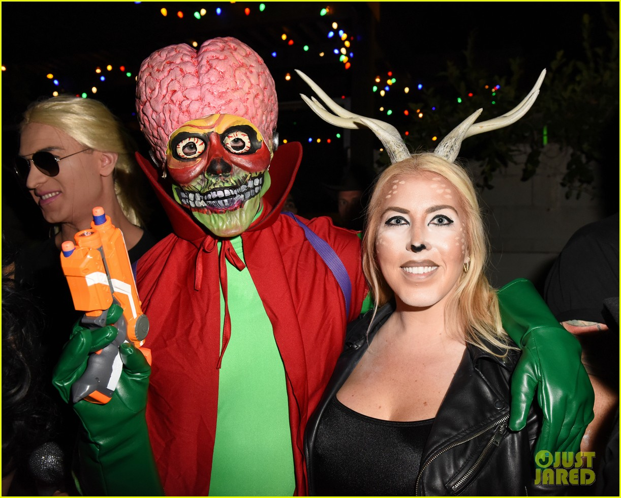 cody christian dylan sprayberry just jared halloween party 09