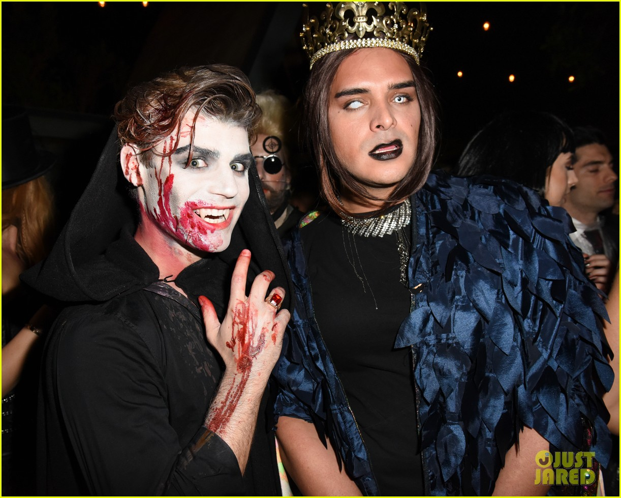 cody christian dylan sprayberry just jared halloween party 10