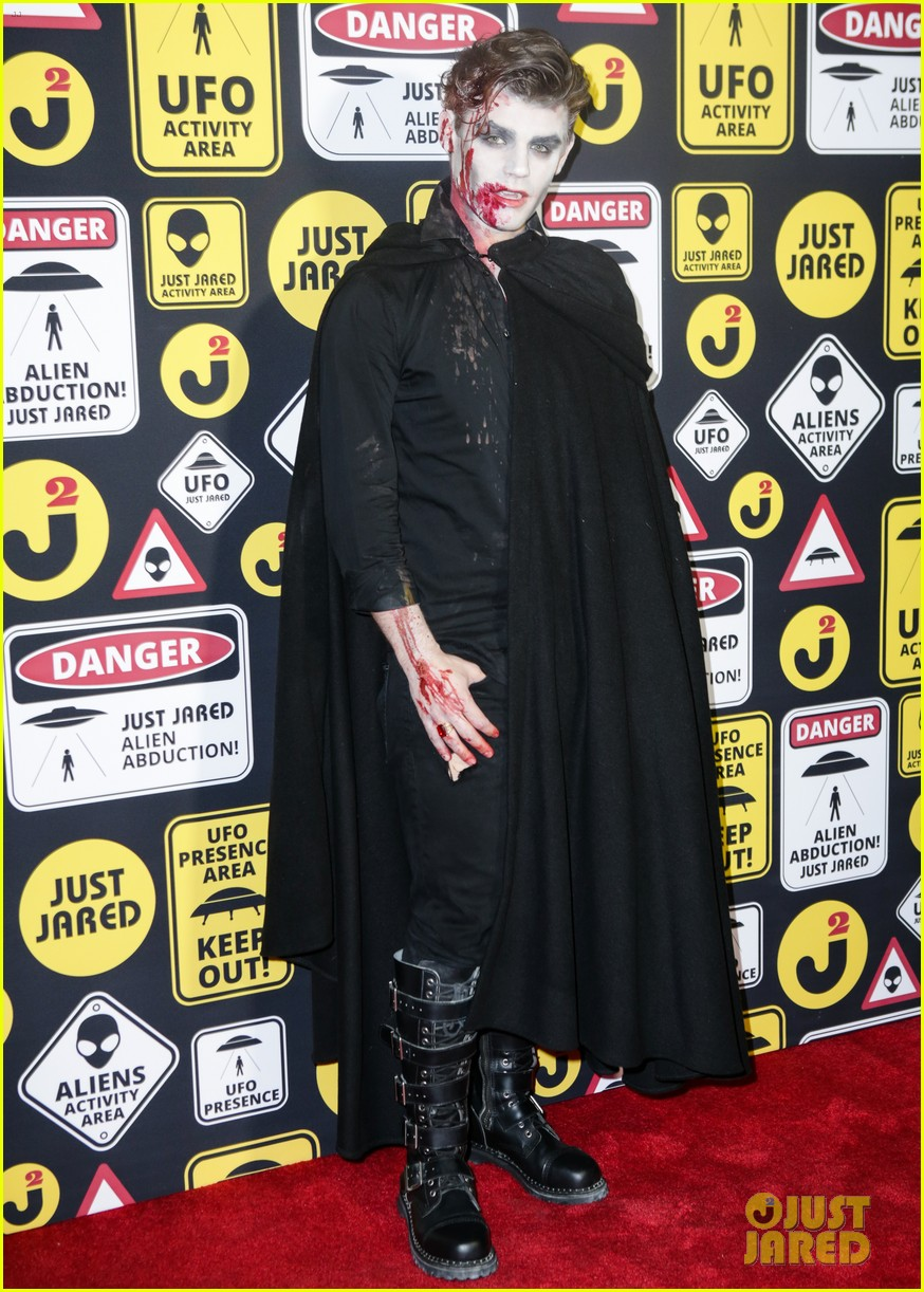 cody christian dylan sprayberry just jared halloween party 19