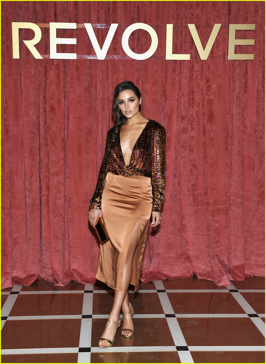 hailey baldwin chanel iman and olivia culpo make it a ladies night at revolve winter formal 08