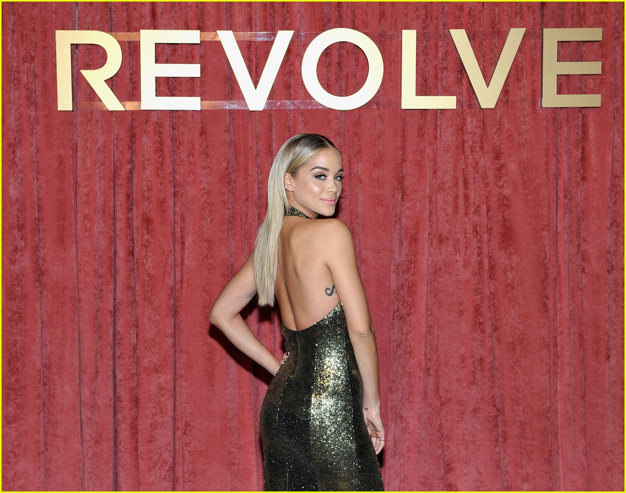 hailey baldwin chanel iman and olivia culpo make it a ladies night at revolve winter formal 15