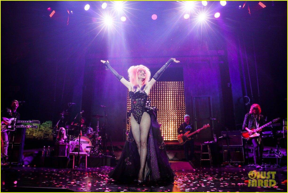 darren criss bares ripped body during hedwig opening night 07