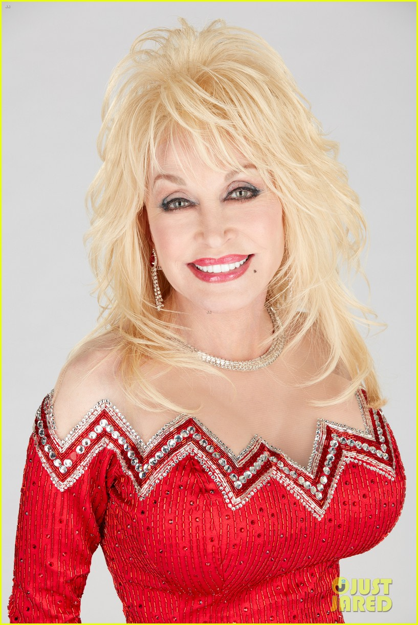 dolly parton goes behind the scenes of her christmas special 13