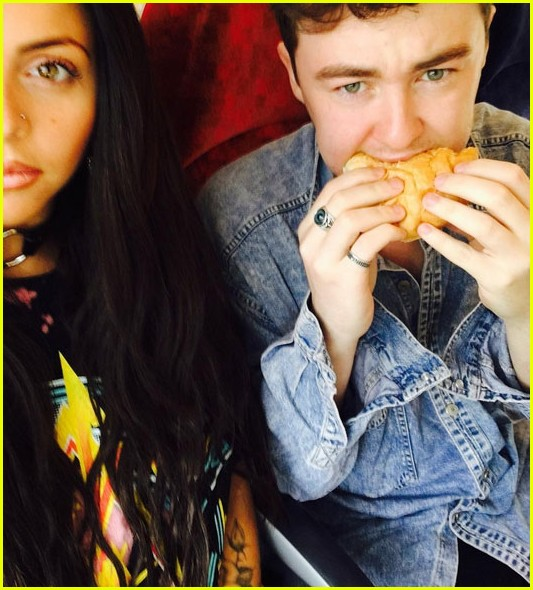 jesy nelson unfollows jake roche instagram 02