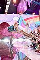 jojo siwa halo awards performance pics 01