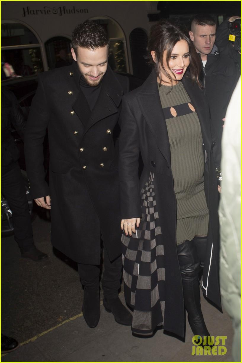liam payne cheryl cole baby bump pregnant 09