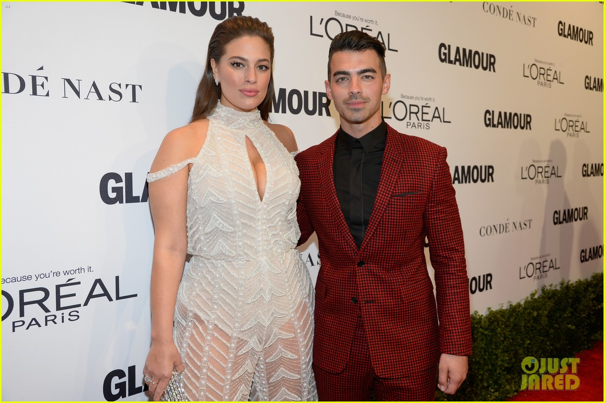 demi lovato and joe jonas celebrate girl power at glamour event 23
