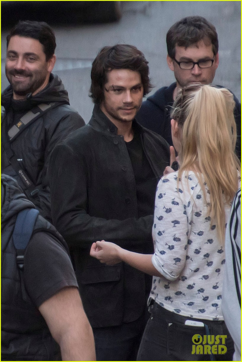 dylan obrien spotted on set for first time since accident 07