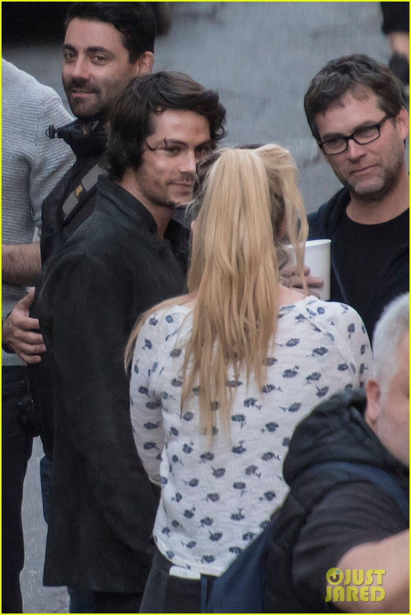 dylan obrien spotted on set for first time since accident 08
