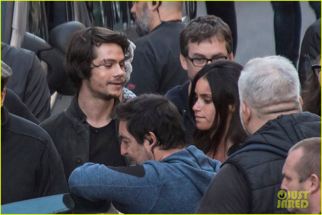 dylan obrien spotted on set for first time since accident 21