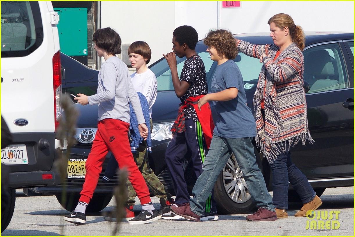 stranger things cast starts shooting season two 04