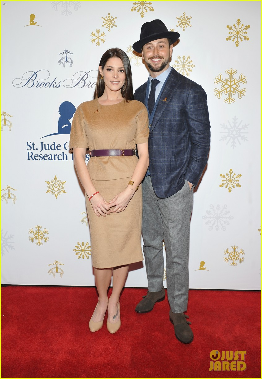 camilla belle jaime king buddy up at brooks brothers holiday event 24