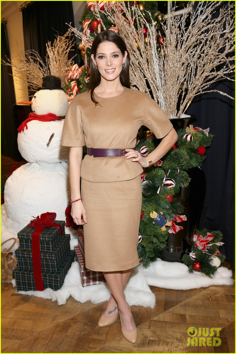camilla belle jaime king buddy up at brooks brothers holiday event 41